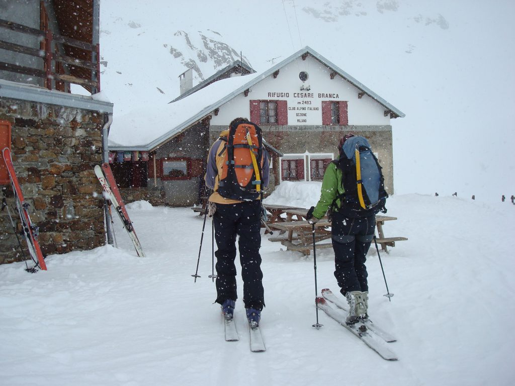 Back to the Branca Hut after hiking and skiiing Tresero Peak.